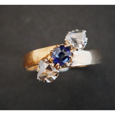Bague saphir et diamants, Or 18 Carats.