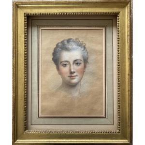 Ecole Du XIXe Siècle, Portrait De Jeune Femme, Pastel