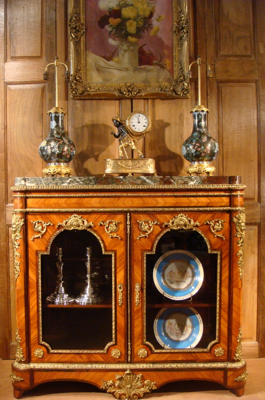 meuble vitrine hauteur d 39 appui epoque napol on iii vitrines. Black Bedroom Furniture Sets. Home Design Ideas