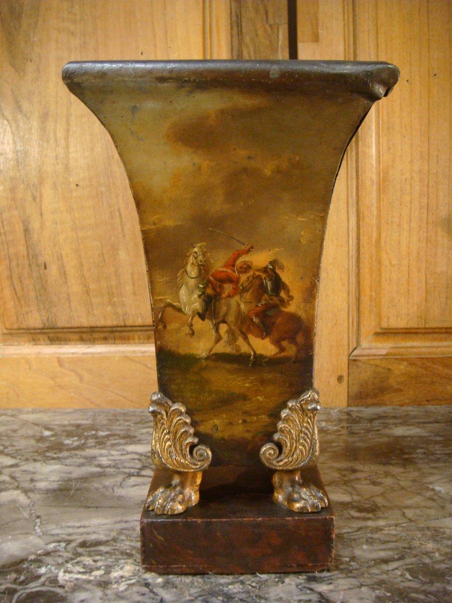 Paire De Vases Cornets En Tôle Peinte Scènes De Batailles-photo-6
