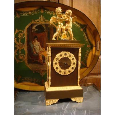 Clock Amours And Butterflies In Golden Bornze - Restoration Era