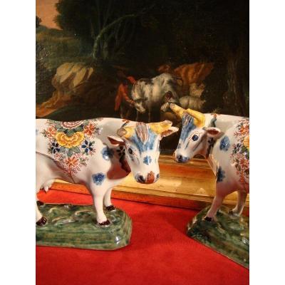 Vaches En Faience Poychrome De Delft - Epoque XVIII ème