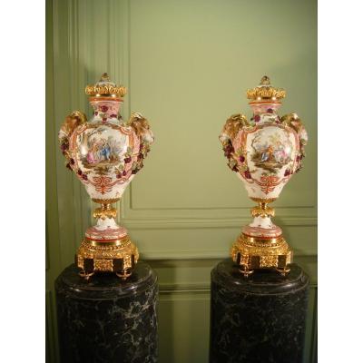 Pair Of Large Porcelain Cassolettes Vases Meissen Epoque XIX