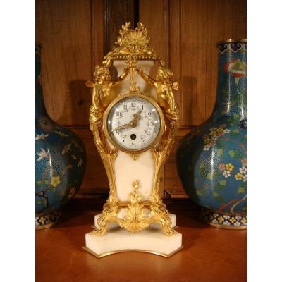 Pendule De Style Louis XVI Aux Amours