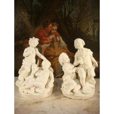 Paire De Sculptures En Porcelaine Tendre De Chantilly - Epoque XVIII ème
