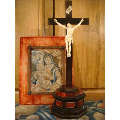 Christ En Croix En Ivoire Et Ecaille - Epoque XVIII ème