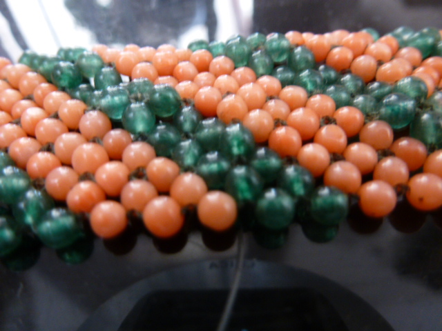 Coral Bead Bracelet And Balls Pierre Verte.fermoir Missing.