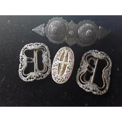 Minicollection Of Old Silver Earrings And Stones.