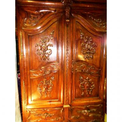 ARMOIRE LUXEMBOURGEOISE