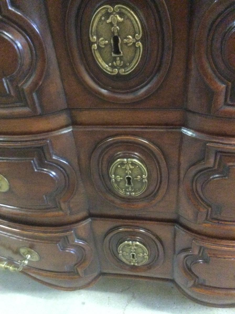 Commode d'époque Louis XIV  Arbalette  Galbee sur les cotes-photo-4