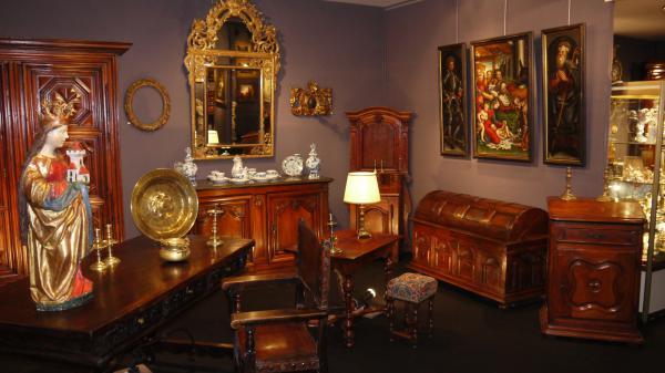barrard antiquit s. Black Bedroom Furniture Sets. Home Design Ideas