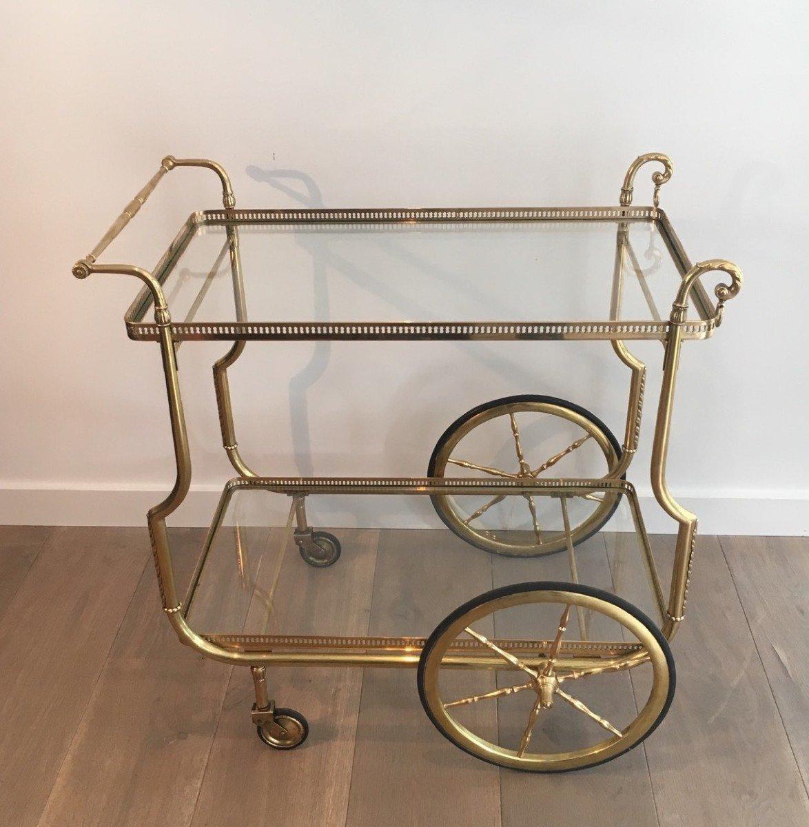 Maison Jansen. Rare Table Roulante De Style Néoclassique En Laiton Et Plateaux De Verre