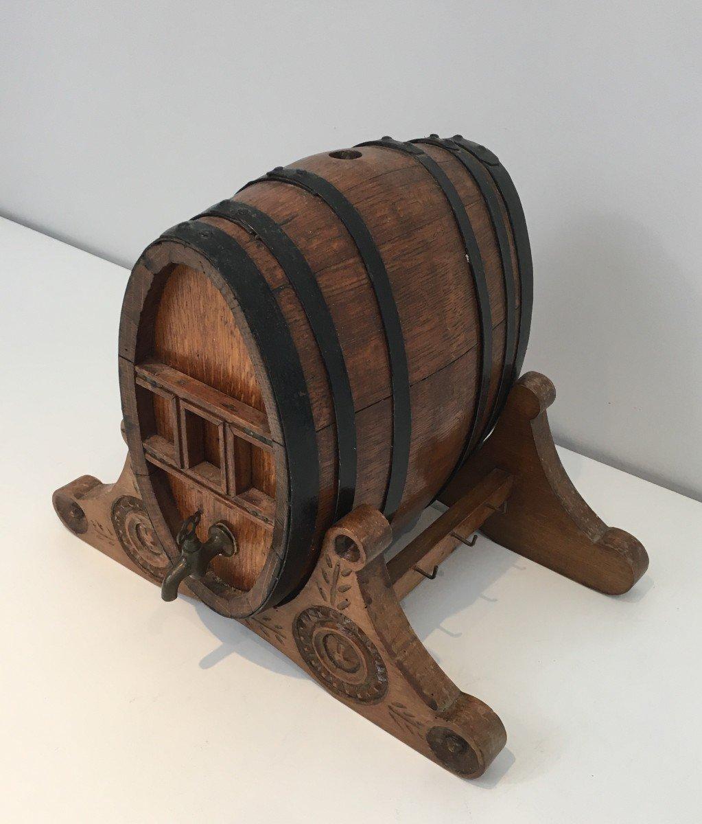 Décanteur à Vin En Forme De Tonneau Et Petit Robinet En Laiton. Art Populaire