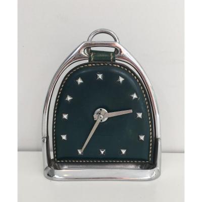 . Petite Horloge En Cuir Et Chrome. Vers 1950