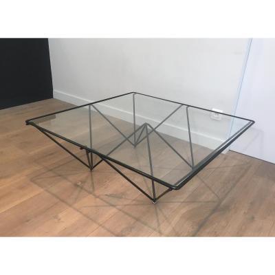 Paolo Piva. Table Basse En Métal Laqué Noir Et Plateau De Verre Clair. Italie. Vers 1970