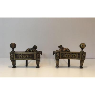 Paire De Chenets d'Epoque Empire En Bronze Représentant Des Lions Allongés. Vers 1850