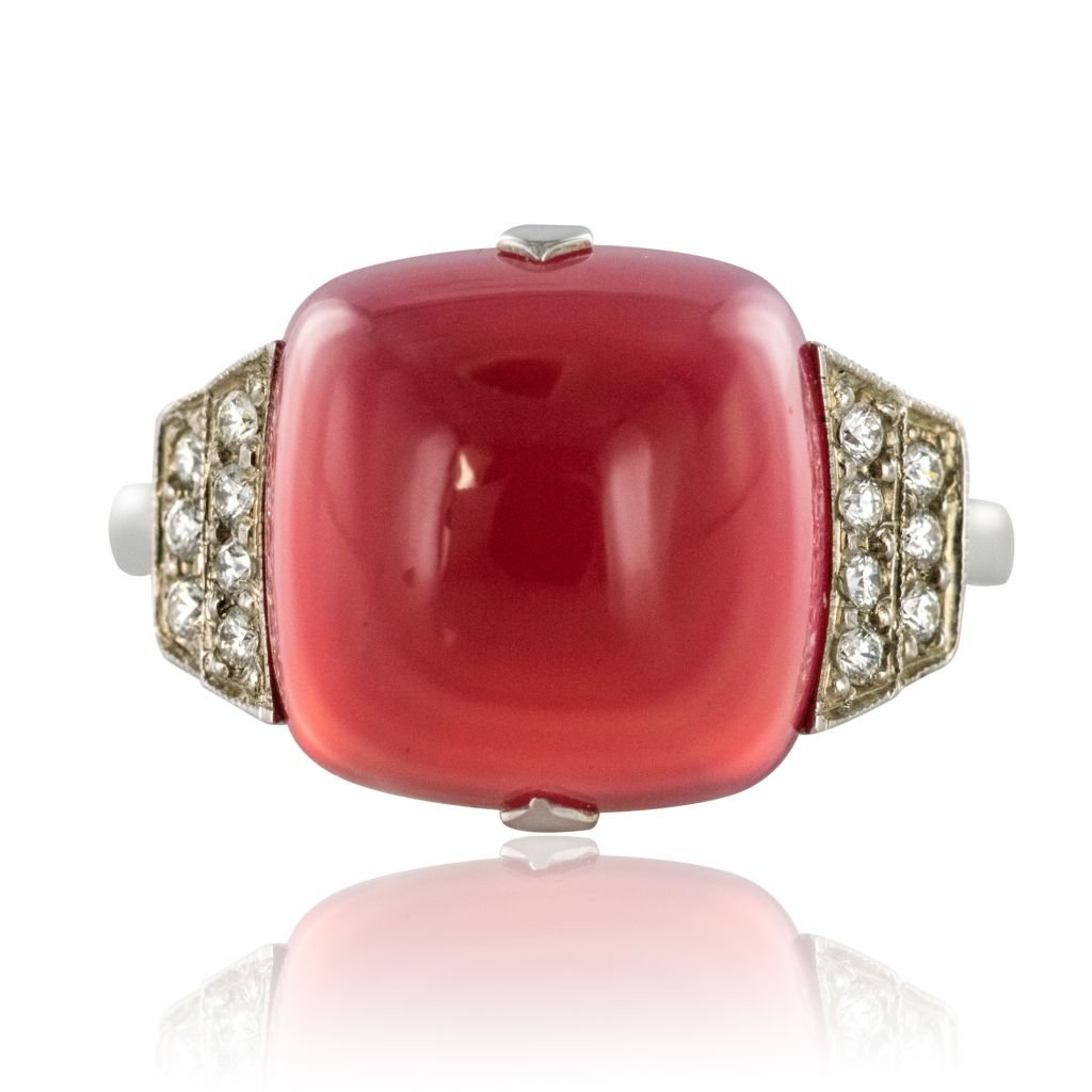 Ring Chalcedony Sugar Loaf And Diamonds