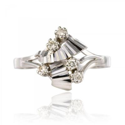 Vintage White Gold Diamonds Ring
