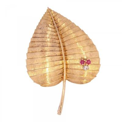 Retro Leaf Brooch In Gold Diamond And Ruby