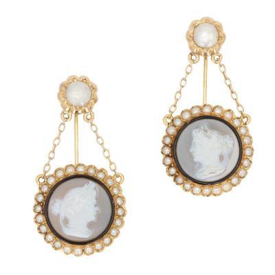 Broches De Vêture Camée Et Perles Fines