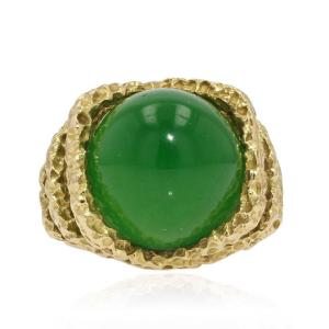 Chrysoprase And Chiseled Gold Ring