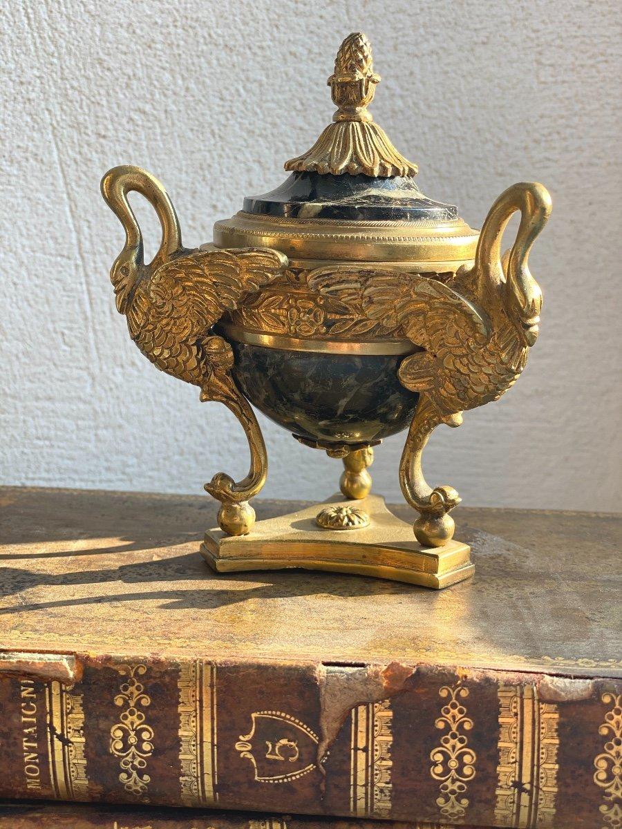Encrier    Tripode  Epoque Empire  Bronze DorÉ   DECOR DE CYGNES Et Marbre Vert