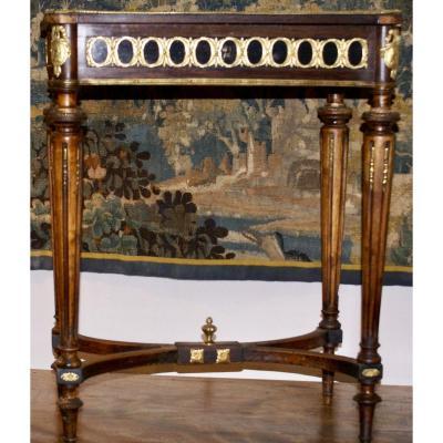 Ttavailleuse Style  Louis XVI   En Placage d'Acajou  57.5 X  37.5  X 73 Cm