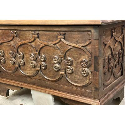 Small Renaissance Chest Carved With Foliage Intertwined With Flowers