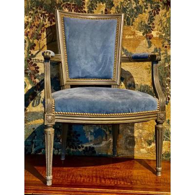 Paire De Fauteuils  En Cabriolet  d'Epoque Louis  XVI    Couvert Velours Bleu