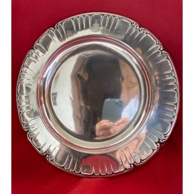 PLATTER IN SOLID SILVER WITH MINERVE MARKS FROM THE WELLKNOWN ORFEVRE ODIOT IN PARIS.<br />