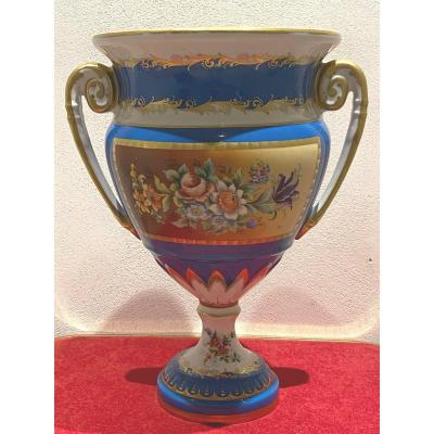 Vase En Porcelaine De Limoges Avec Motif Floral Peint Main  Signé  D.A     39 cm  19 eme