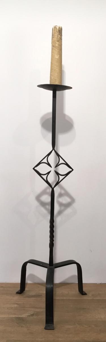 Lampadaire de parquet en fer forg de style gothique vers - Lampadaire fer forge interieur ...
