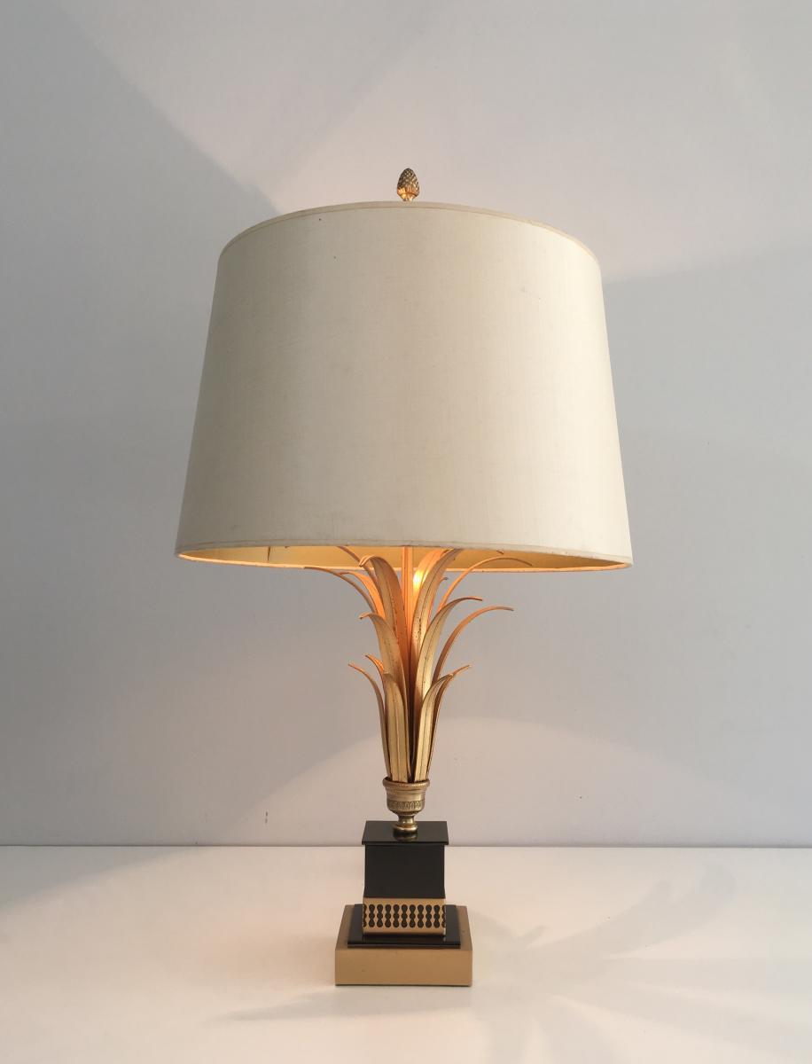 Dans Le Goût De La Maison Charles. Lampe En Métal Doré Et Laquée Noire. Vers 1970