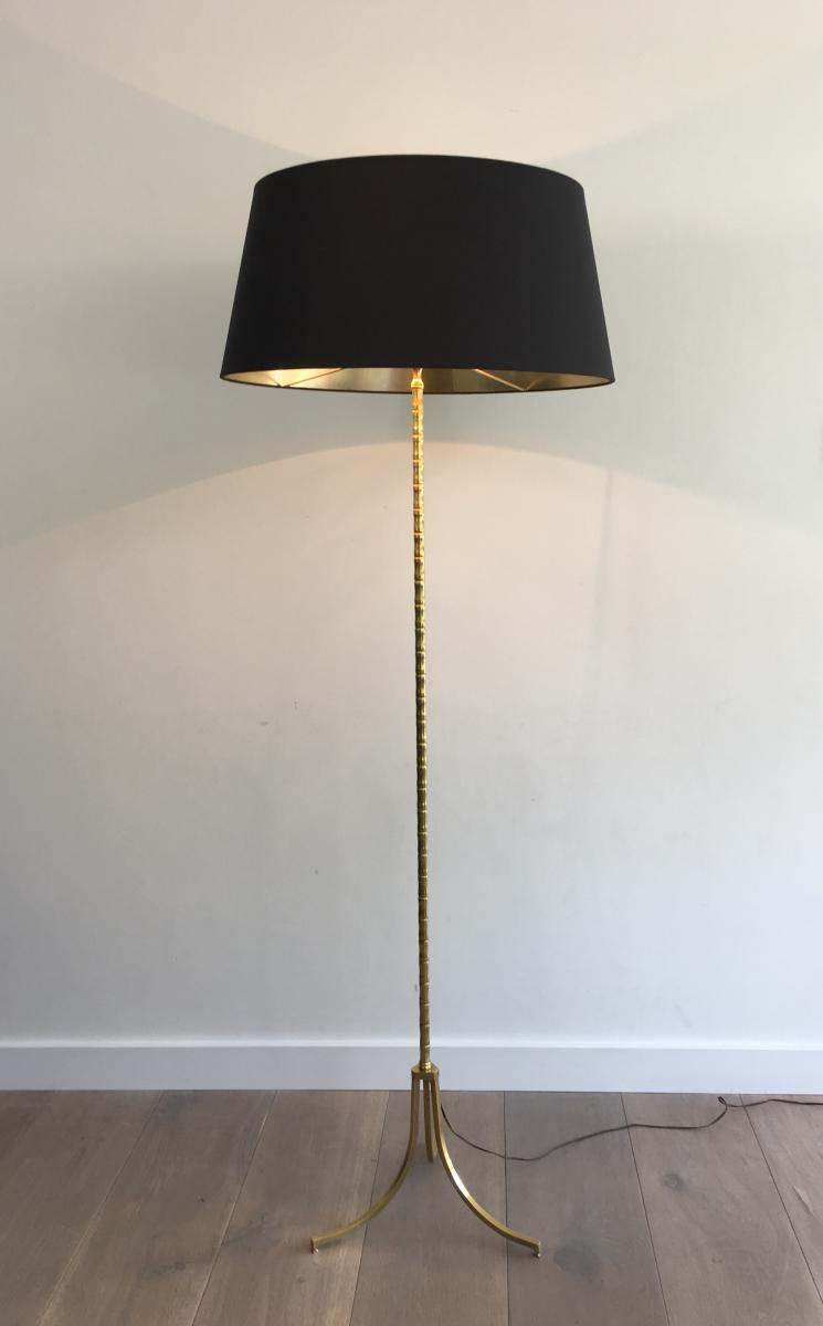 Lampadaire De Parquet En Laiton Façon Faux-bambou. Abat-jour En Shintz Noir Intérieur Doré