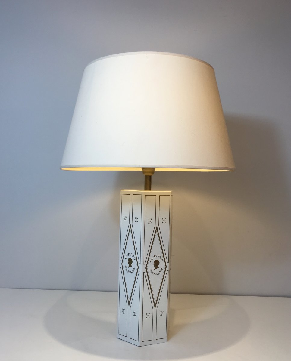 Decorative Neoclassical Style White Lacquered Sheet Table Lamp With Gilt Decors. French. Circa
