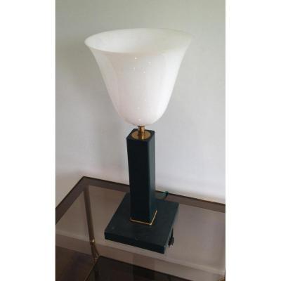 Lampe De Bureau En Plastique Blanc Imitant Le Verre Opalin.