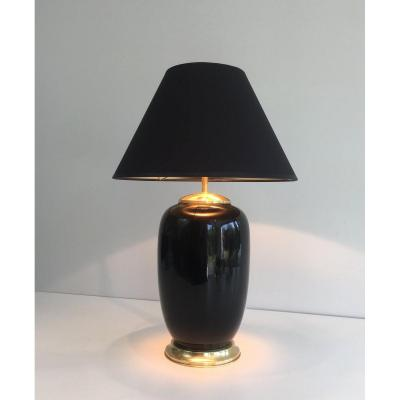 Lampe En Porcelaine Laquée Noire Et Laiton. Travail Français. Vers 1970