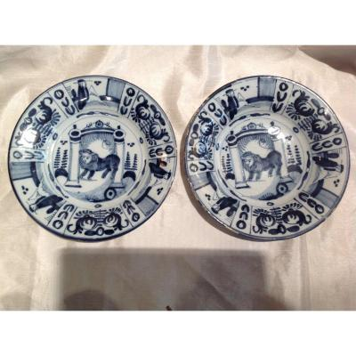 Delf 18th - Pair Of White Blue Plates With Lion Decor