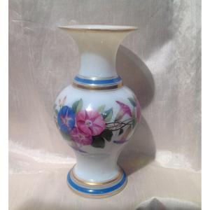Baccarat 19ème - Vase En Opaline à Décor De Fleurs