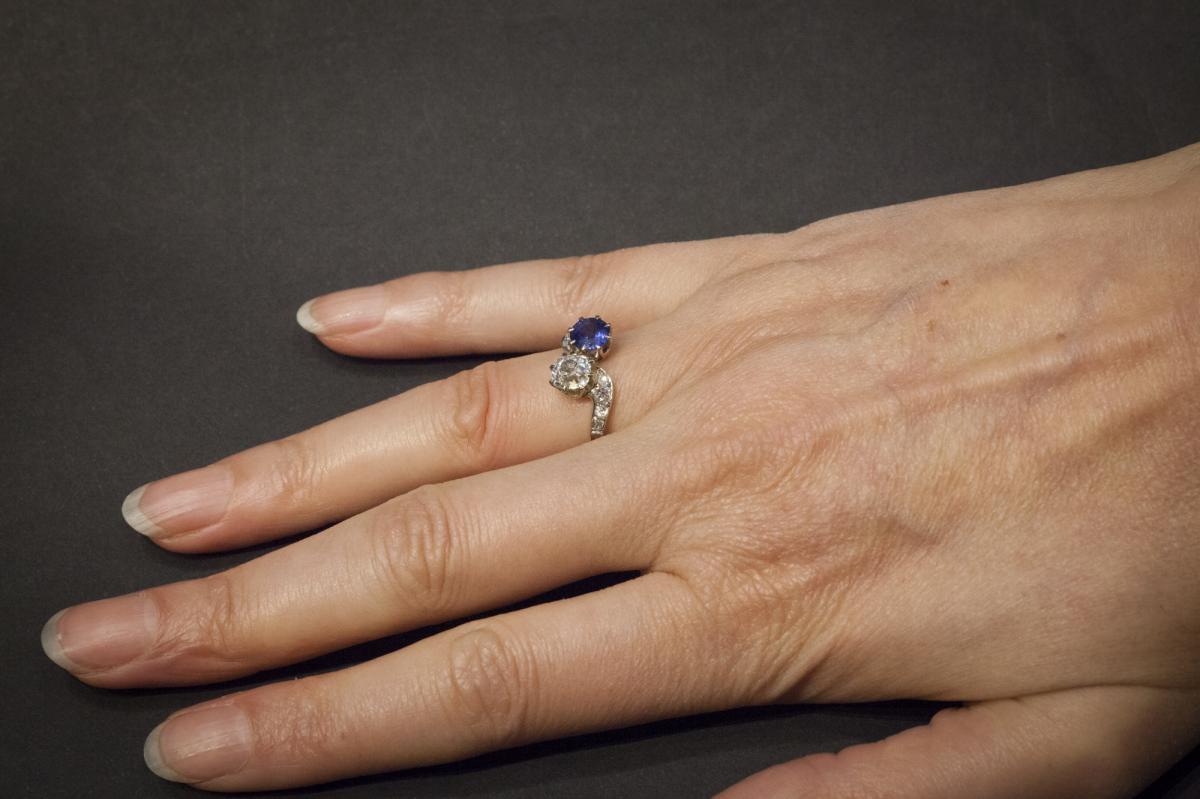 """Bague Ancienne """"Toi et Moi"""" en  Or, Saphir et Diamants-photo-1"""