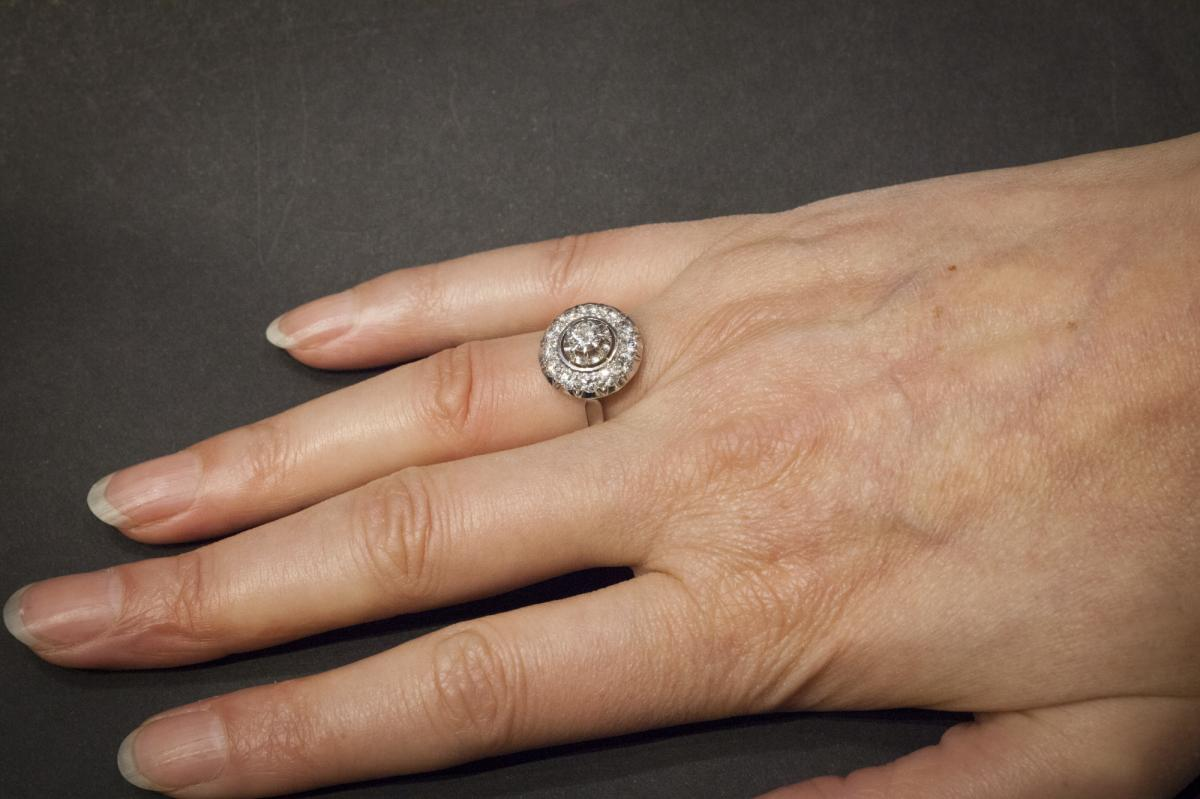 Ancient Ring In White Gold Set With Diamonds-photo-1