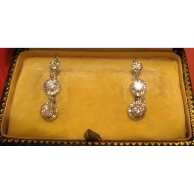 Paire De Boucles d'Oreille Dormeuses En Or Blanc Et Diamants