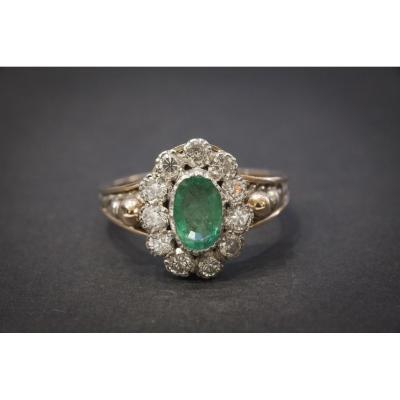 Bague Ancienne en Or Rose, Argent,  Emeraude entourage Diamants