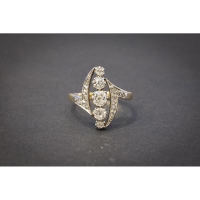 Bague Navette Ancienne en Or, Platine et Diamants