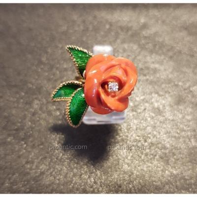 """Bague """"Rose"""" Sculptée en Corail, diamant, émail et Or 18 Carats"""