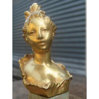 Buste De Femme En Bronze Doré Sur Pied En Marbre Vert