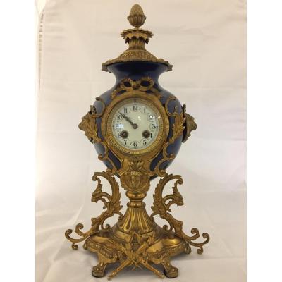 Horloge Ancienne En Bronze Et émail Bleu