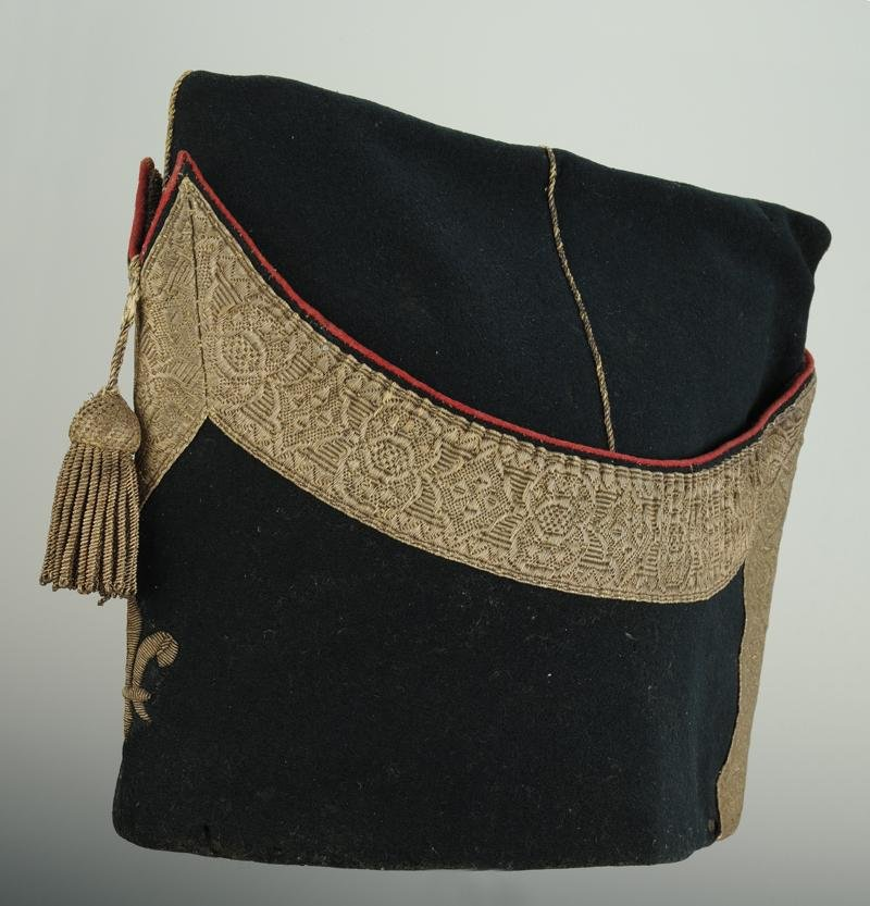 Police Cap Of Small Dress Of Officer Of The Company Of Puysegur (second Company)-photo-2