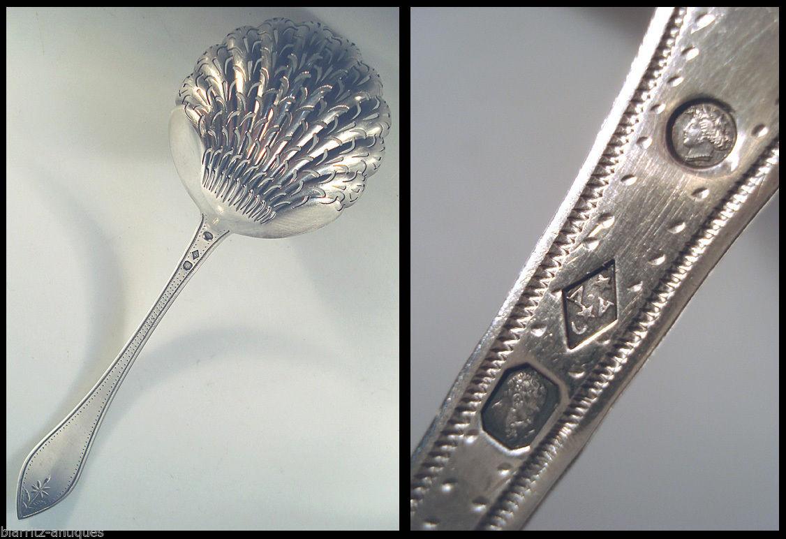 Cuillère Saupoudreuse 55 Gr Argent Vieillard 1818-1839 Mo Av