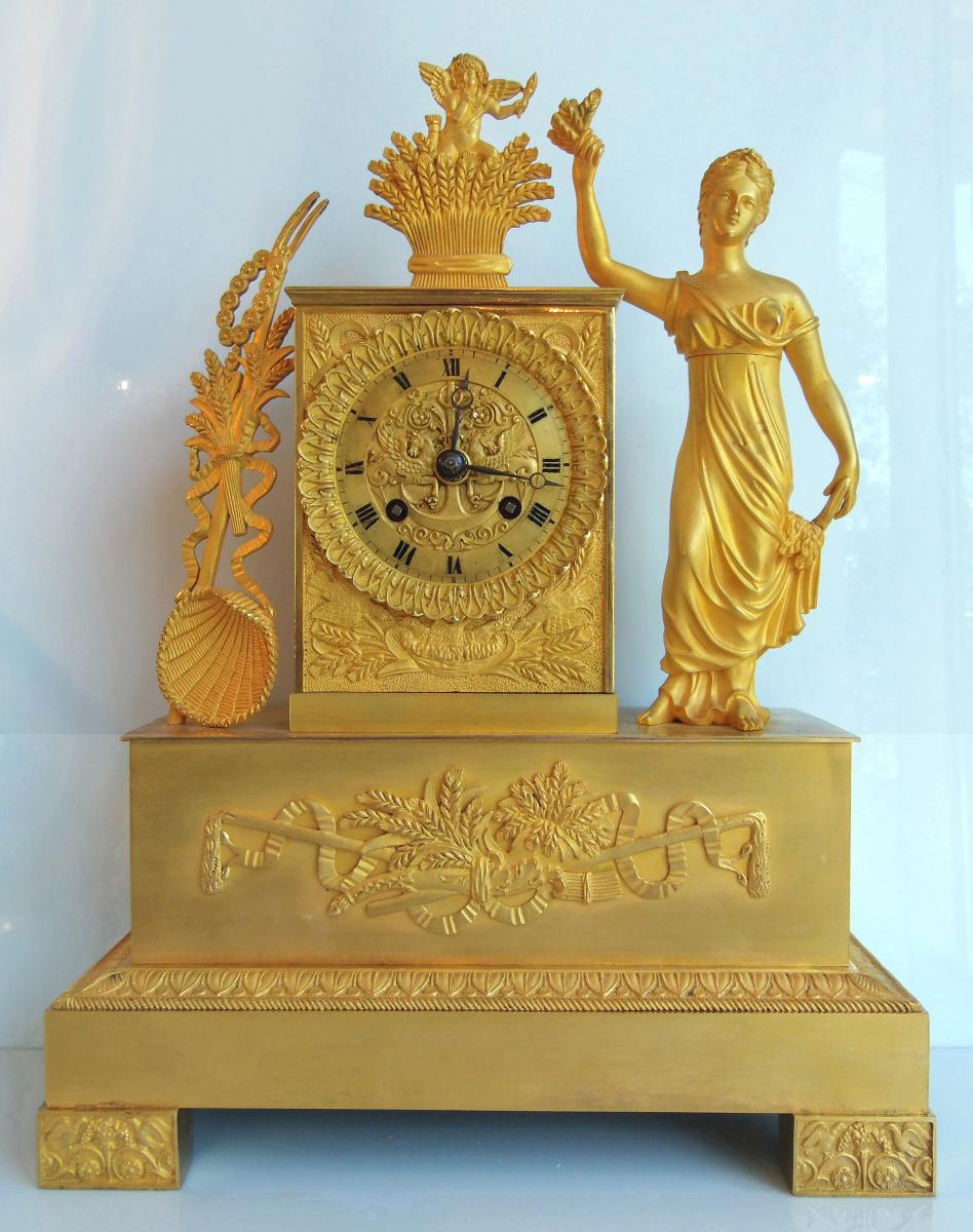 Pendule En Bronze Dore d'Epoque Empire - A La Deesse Demeter 37,5 Cm